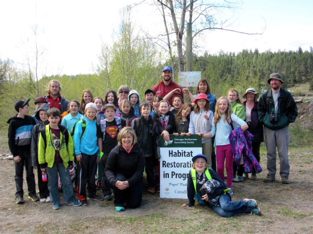 Photo: Cormack Marsh Earth Day Helpers